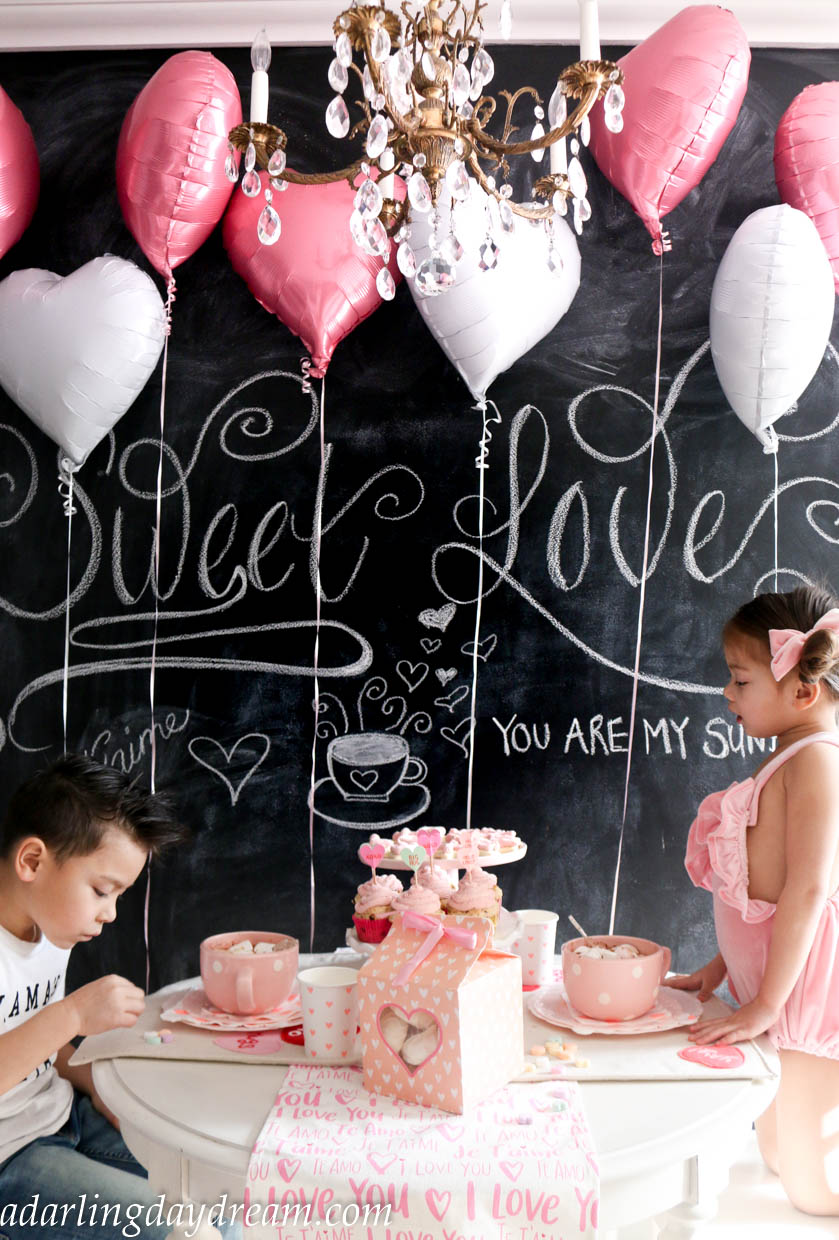 valentines-day-party-kids-party-party-ideas-kids-valentines-day-party-playroom_-11
