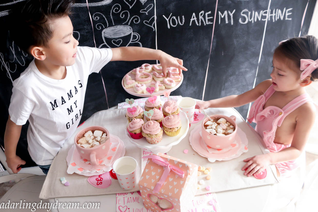 valentines-day-party-kids-party-party-ideas-kids-valentines-day-party-playroom_-12