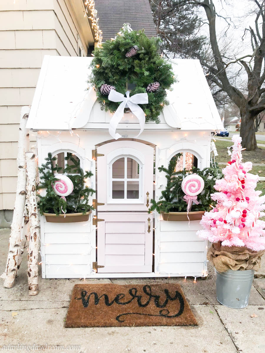 Christmas-Playhouse-She-shed-girls-playhouse_